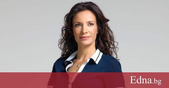 Яна Маринова е родена е на 17 август 1978 г.
