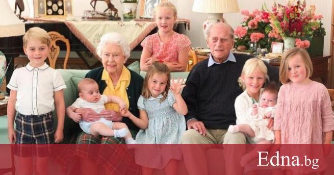 Кралското семейство продължава да скърби и да си спомня за