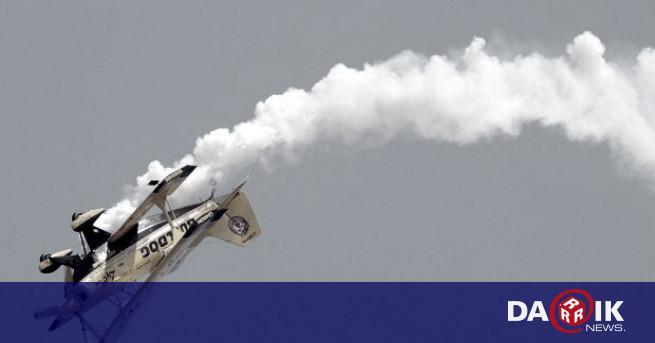 9 септември: Летецът Пьотр Нестеров първи изпълнява лупинг ...