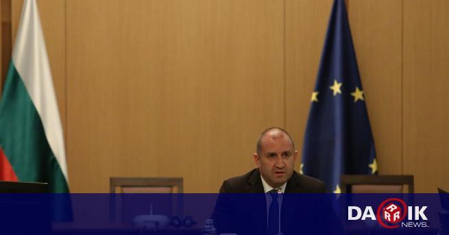 Президентът Румен Радев очаква интензивна работа на правителството с всички