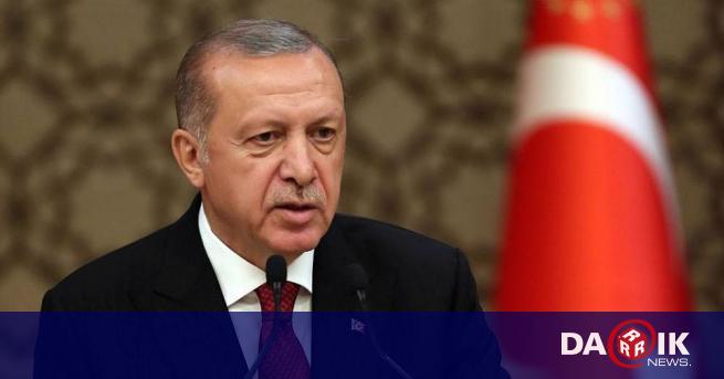 Заплатата на турския президент Реджеп Ердоган през 2022 г.се предвижда