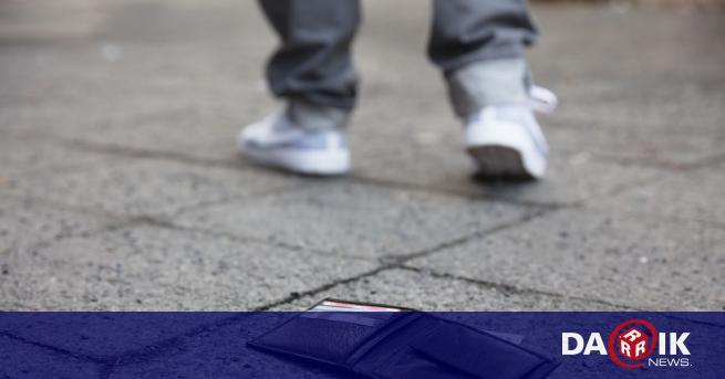 57-годишен пловдивчанин намери портмоне с 1000 лева в него. Мъжът