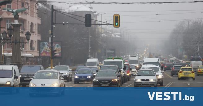 пасно мръсен въздух в редица градове на страната тази сутрин,
