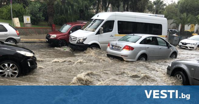 П роливните дъждове в Западна Турция предизвикаха наводнения на много