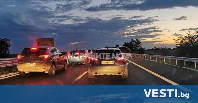 """К илометрично задръстване на магистрала """"Тракия"""" във вечерните часове на"""