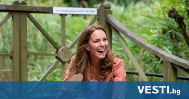 Х ерцогинята на Кеймбридж Кейт Мидълтън изненада ученици със сладък