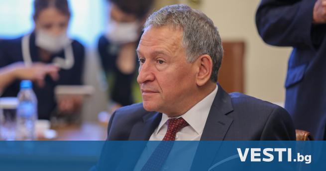 З дравният министър Стойчо Кацаров е изключен от Българския лекарски