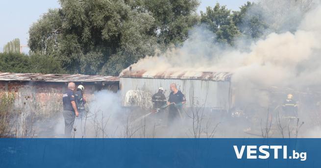 Г олям пожар горя в София. Сухи тревни площи са