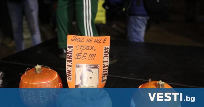 115-ия ден на гражданско недоволство срещу властта, протестиращите стовариха камион