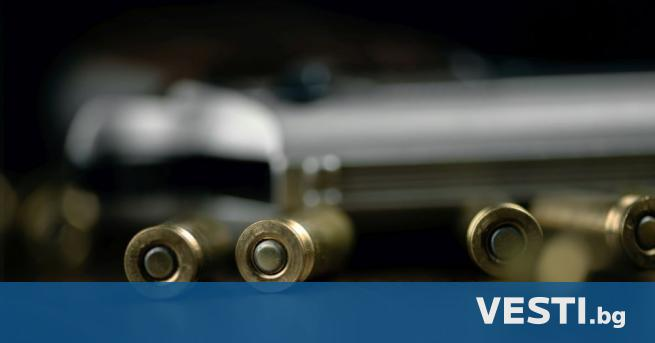 ъж заплаши с пистолет лекар от частна болница в Бургас.