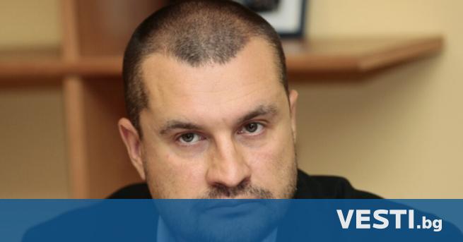 ефът на кабинета на президента Калоян Методиев напусна поста. Това