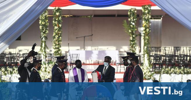 У битият президент на Хаити Жовенел Моиз беше погребан днес