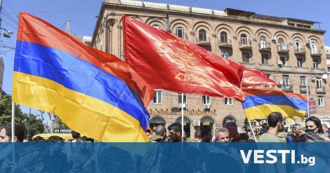 рмения и Азербайджан се договориха за хуманитарно примирие в зоната
