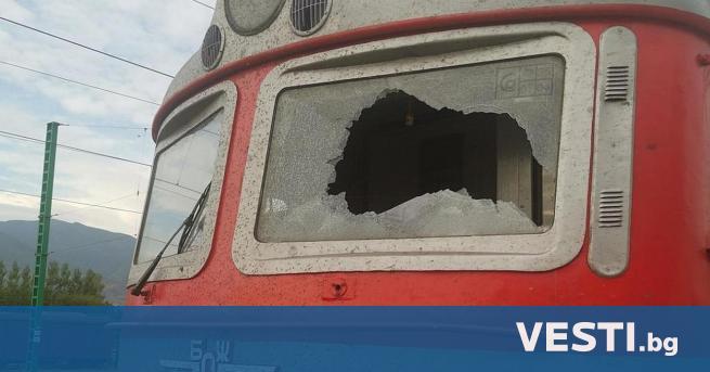 ързият влак от София за Бургас престоя в гара Септември