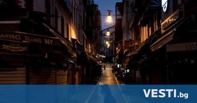 П очивайте в Турция без турци– гласи една сатирична туристическа