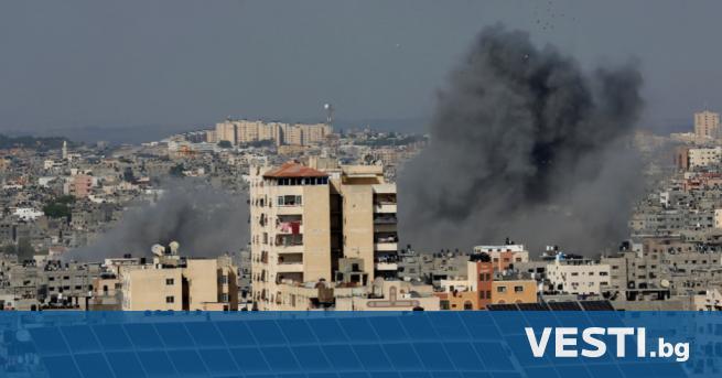 В ивицата Газа рухна 13-етажна жилищна сграда, след като по