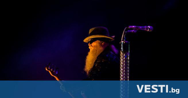 """П очина дългогодишният басист на """"ZZ Top"""", Дъсти Хил.Той си"""