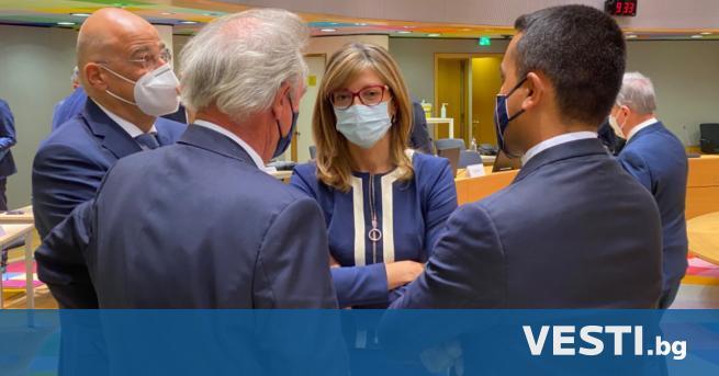 аместник министър-председателят и министър на външните работи Екатерина Захариева участва