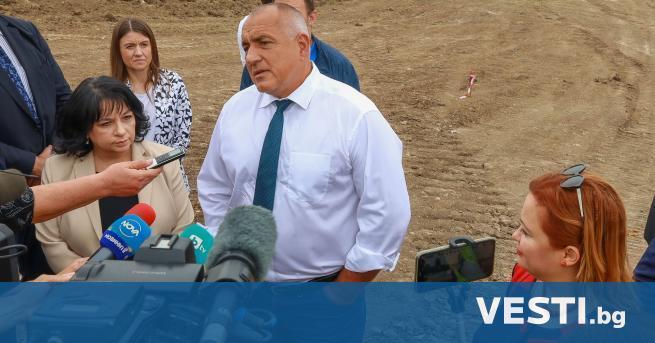 инистър-председателят Бойко Борисов инспектира инфраструктурни проекти в Северна България. Той