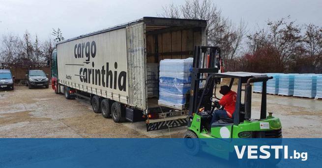 хърватския град Петриня пристигна първият тир с минерална вода, помощ