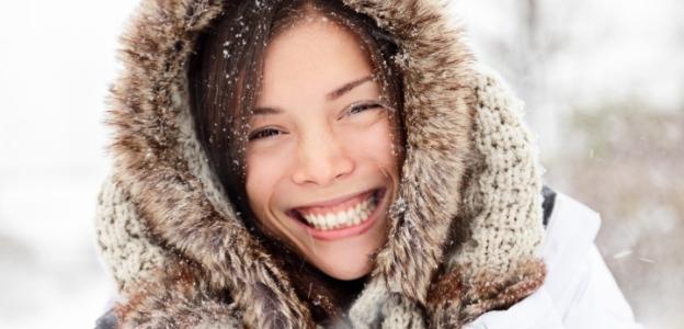 жена зима студ сняг