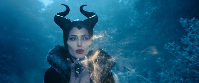 """На 30 май бе премиерата на филма """"Господарка на злото"""" с участието на Аджелина Джоли. Предлагаме ви уникални кадри от една от най-касовите продукции на """"Дисни"""" към момента."""