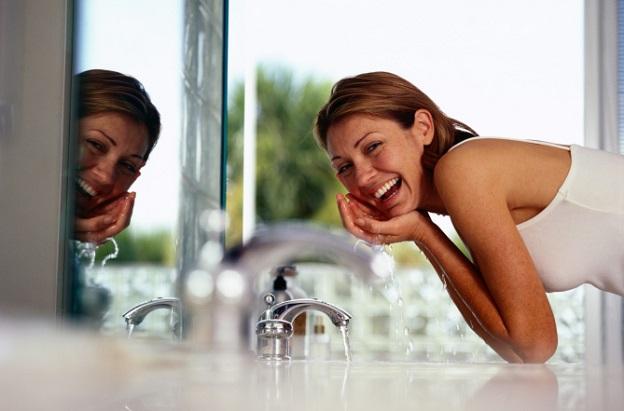 кожа жена баня хавлия