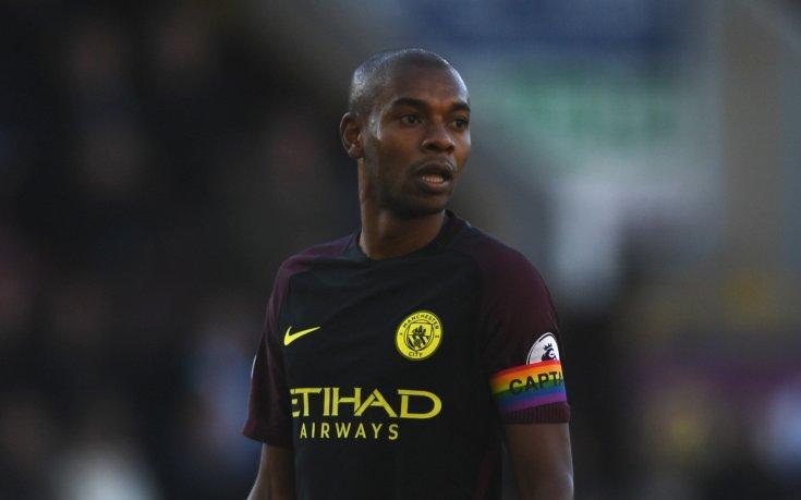 Манчестър Сити удължава договора на ключов футболист