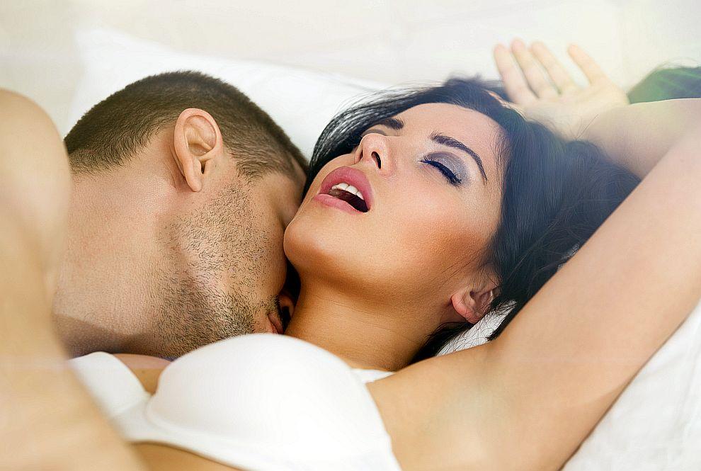 Главната цел на мъжа по време на секс е едновременния оргазъм с партньорката.
