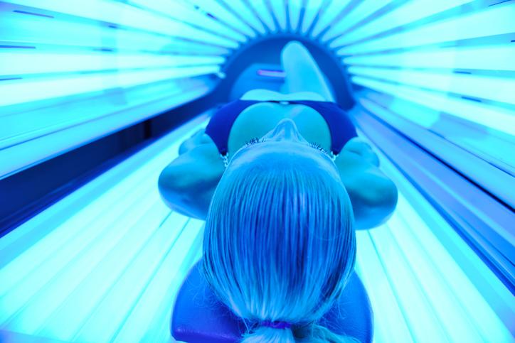 Зависимостта от тен на кожата все още е опасна тенденция сред жените