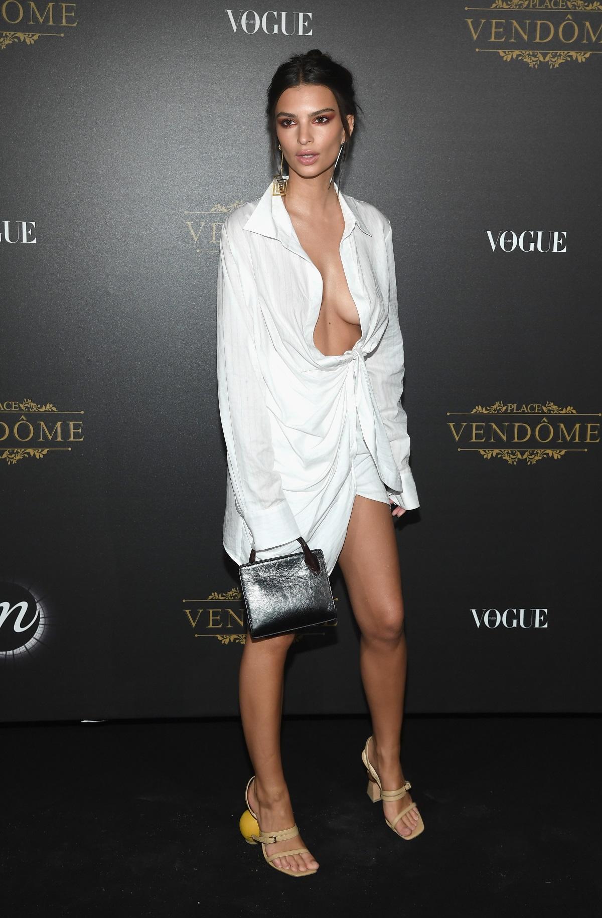 Моделът и актриса Емили Ратайковски на Седмицата на модата в Париж (2017 г.)