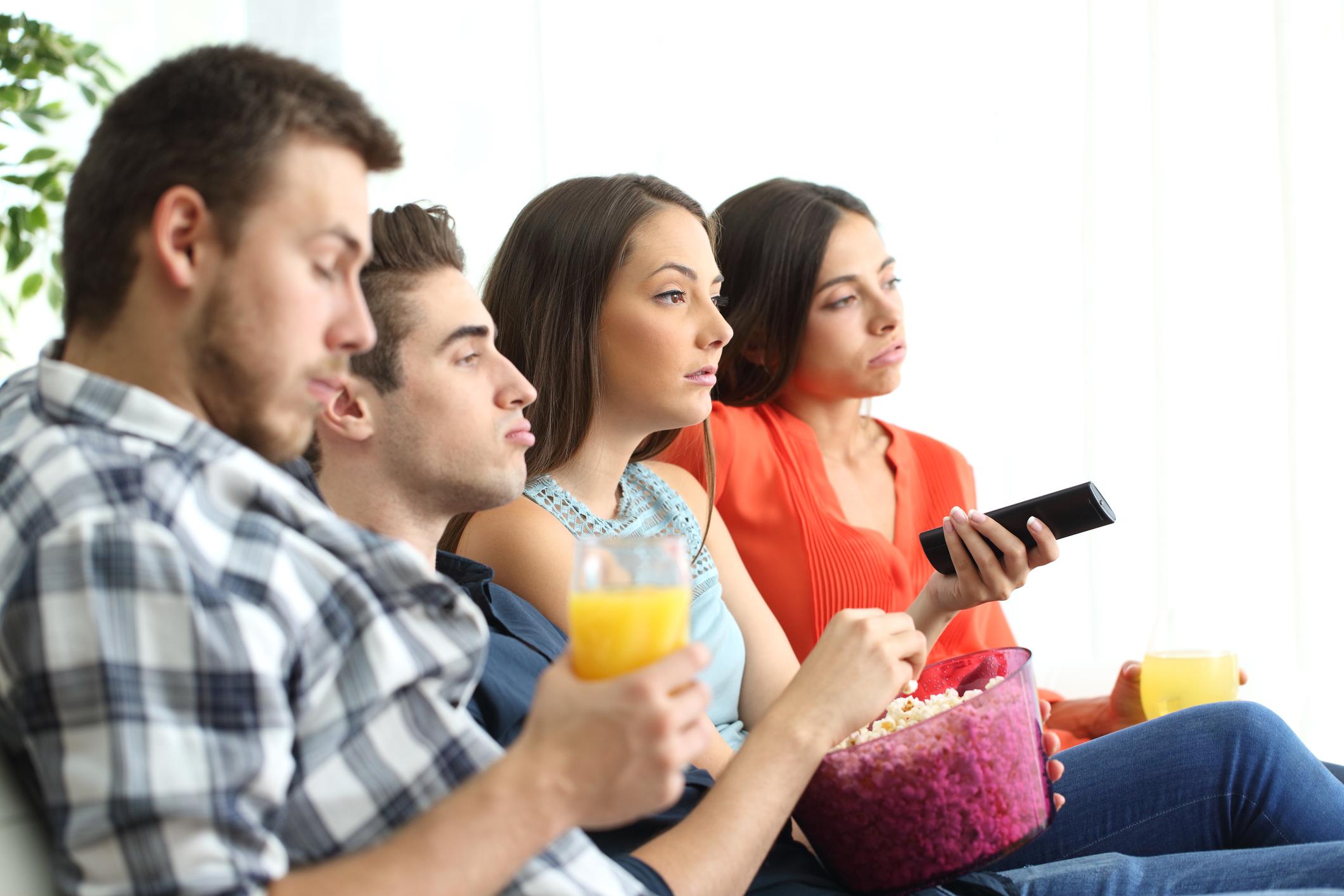 Не гледайте телевизия.<br /> Всякакви новини напрягат човек рано сутрин. Може да прегледате всичко ново от света с мобилни приложения.