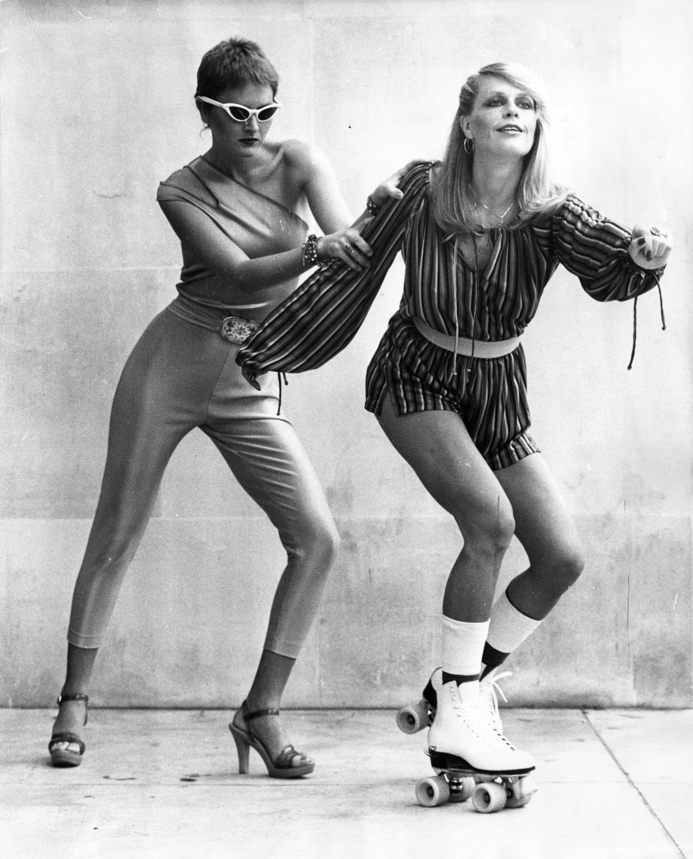 1978 г., късите панталони и гащеризоните са на мода
