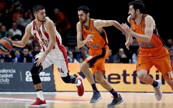 Олимпиакос би Валенсия и води в Евролигата