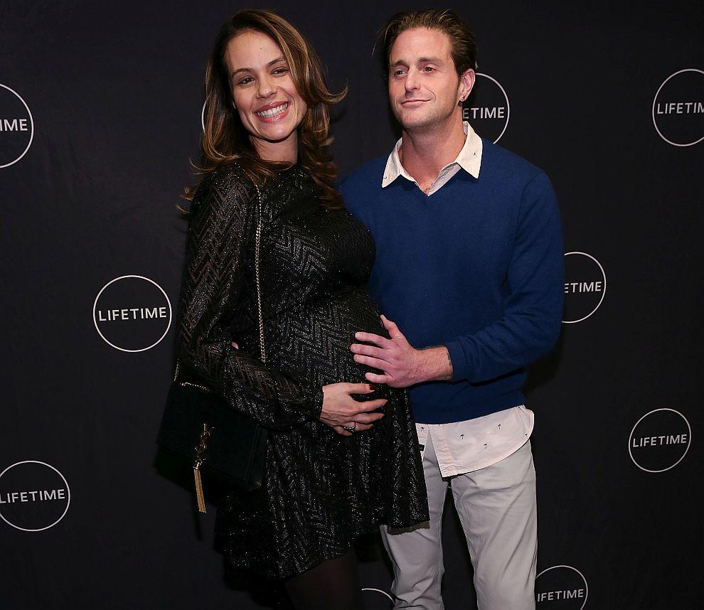 Камерън Дъглас с партньорката си Вивиан Тайбс