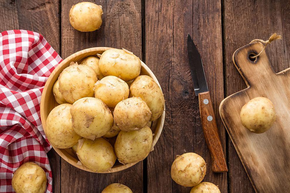 """Специалистите твърдят, че картофите са толкова полезни, че дори човек да яде само тях през целия си живот, """"ще остане доста здрав"""""""