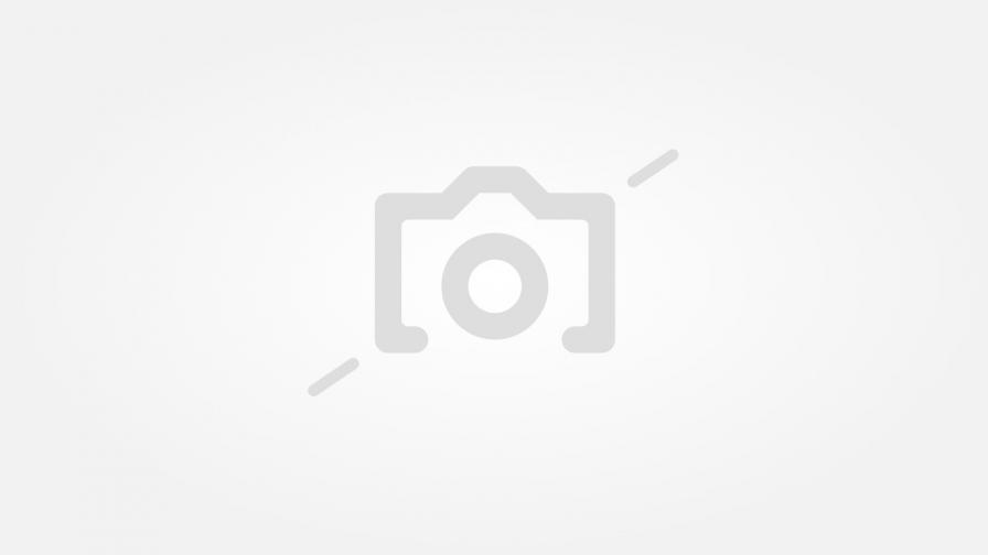 """Ребека Ромейн напълно преобразена и състарена с над 30 години за сериала """"Библиотекарите"""", снимките на който започват през 2014 г., а последният му четвърти сезон приключи през февруари тази година."""