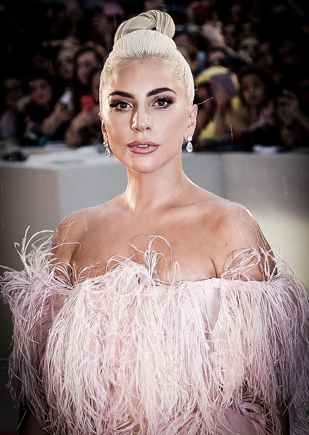 Лейди Гага на премиерата на Роди се звезда във Венеция