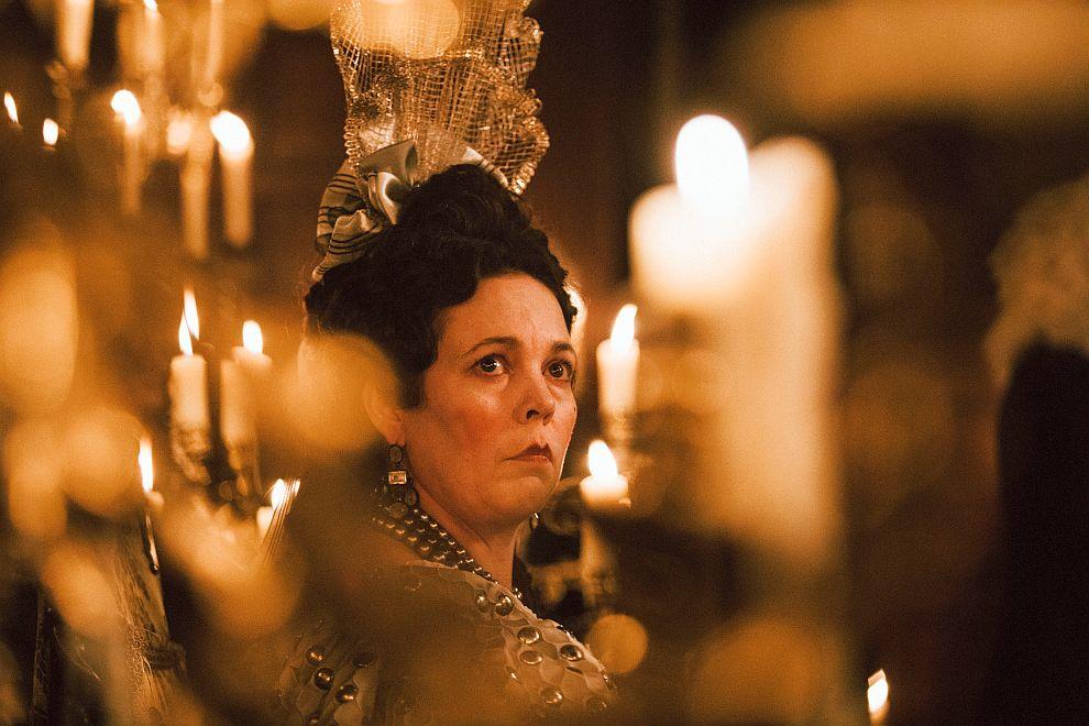Оливия Колман в ролята на кралица Ана във филма Фаворитката