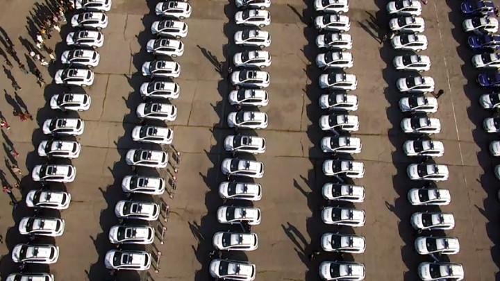 Спадат продажбите на нови автомобили