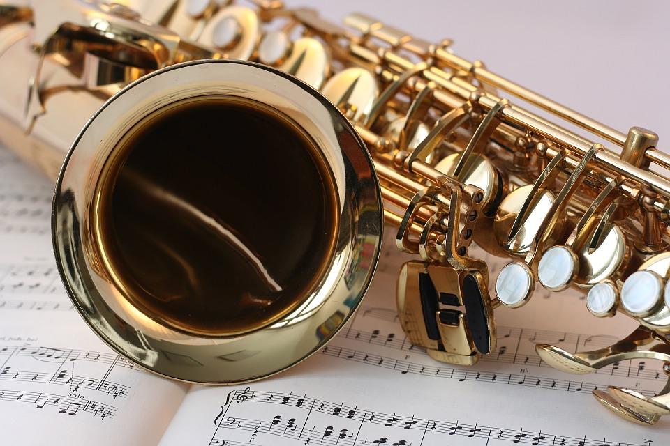 музика саксофон