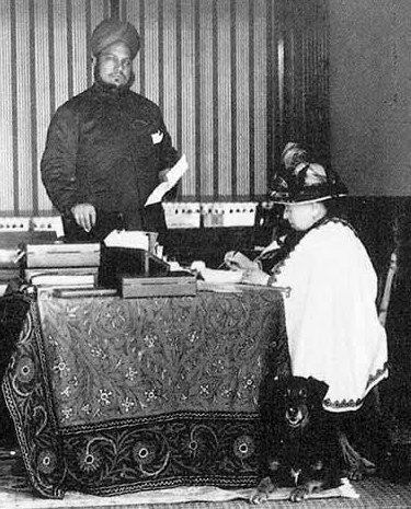кралица Виктория Абдул Карим